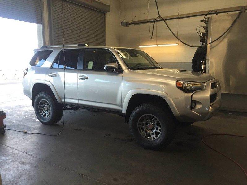 Leveling kit so I can run 285-70R17? | Toyota 4Runner ...